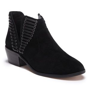 VINCE CAMUTO Pevista Bootie Split Side Laced NEW